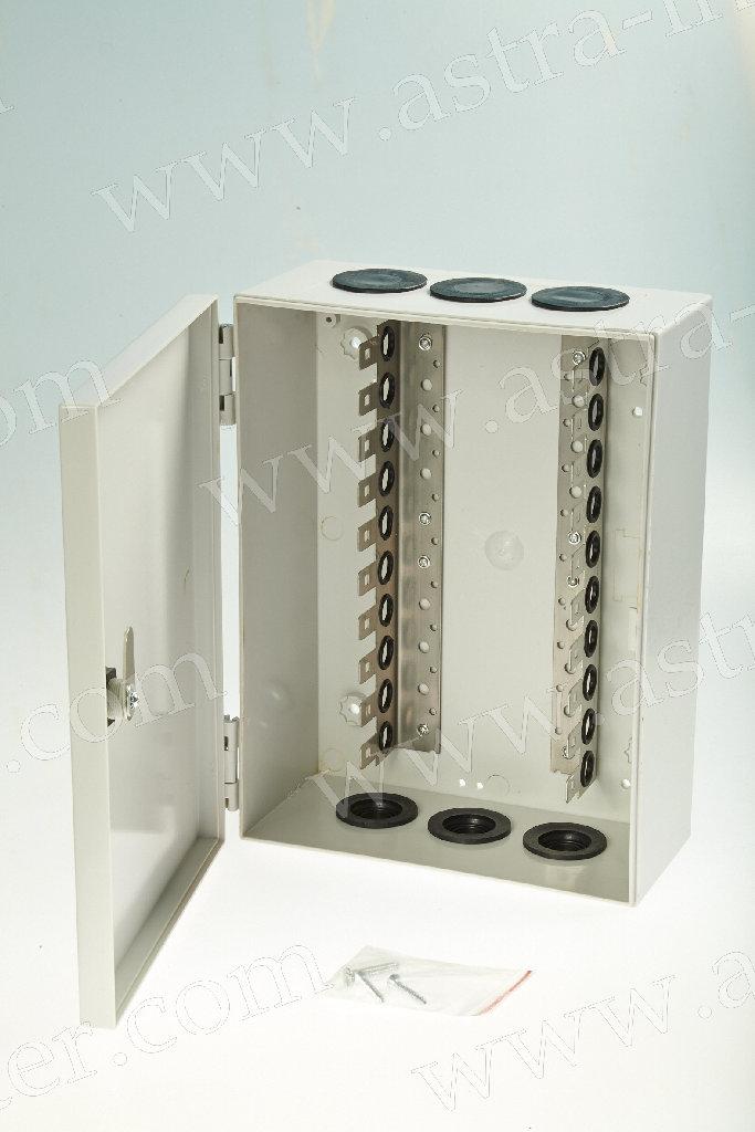 8. Коробка распределительная под установку 100 плинтов типа KRONE. Пластик